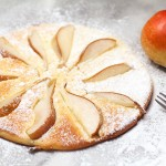 Birnenpfannkuchen-dicke Pfannkuchen mit Obst.