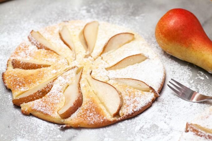Birnenpfannkuchen – dicke Pfannkuchen mit Obst