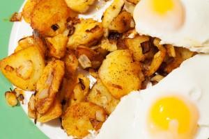 Bratkartoffeln mit Spiegelei.