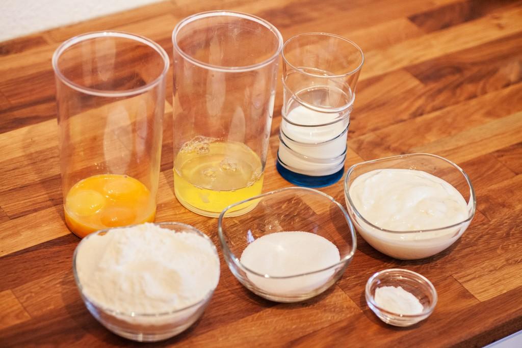 Es ist schlau alle Zutaten zuerst abzuwiegen und bereitzustellen.