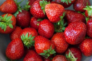 Für das Erdbeer-Tiramisu verwende ich frische Erdbeeren.