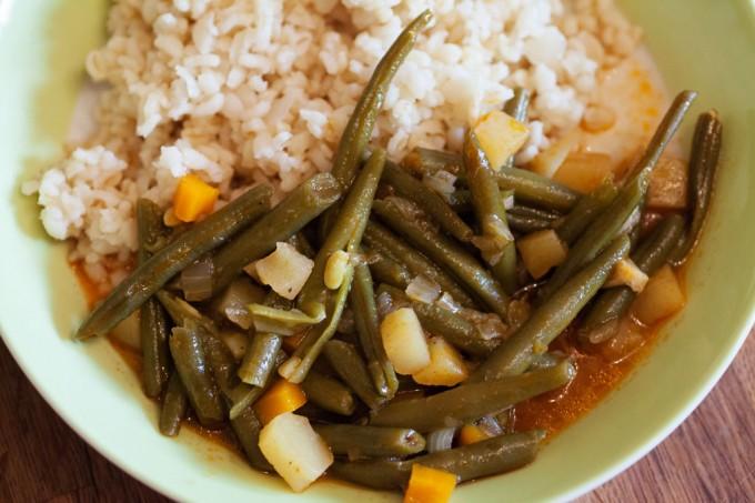 Grüne Bohnen in Tomatensauce – Zeytinyagli yesil fasülye