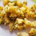 Kartoffelsalat mit Olivenöl und Zitrone.