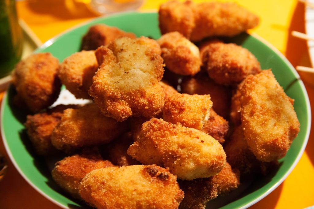 Kroketten mit Hühnchenfleisch Croquetas de Pollo.