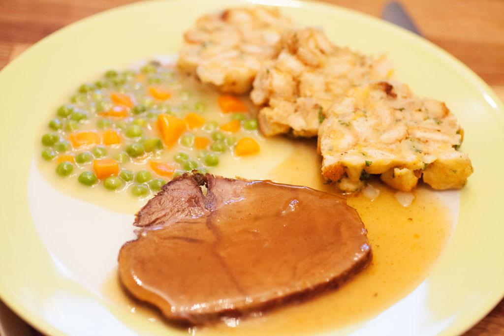 Rinderbraten Rezept für klassischen Rinderschmorbraten.