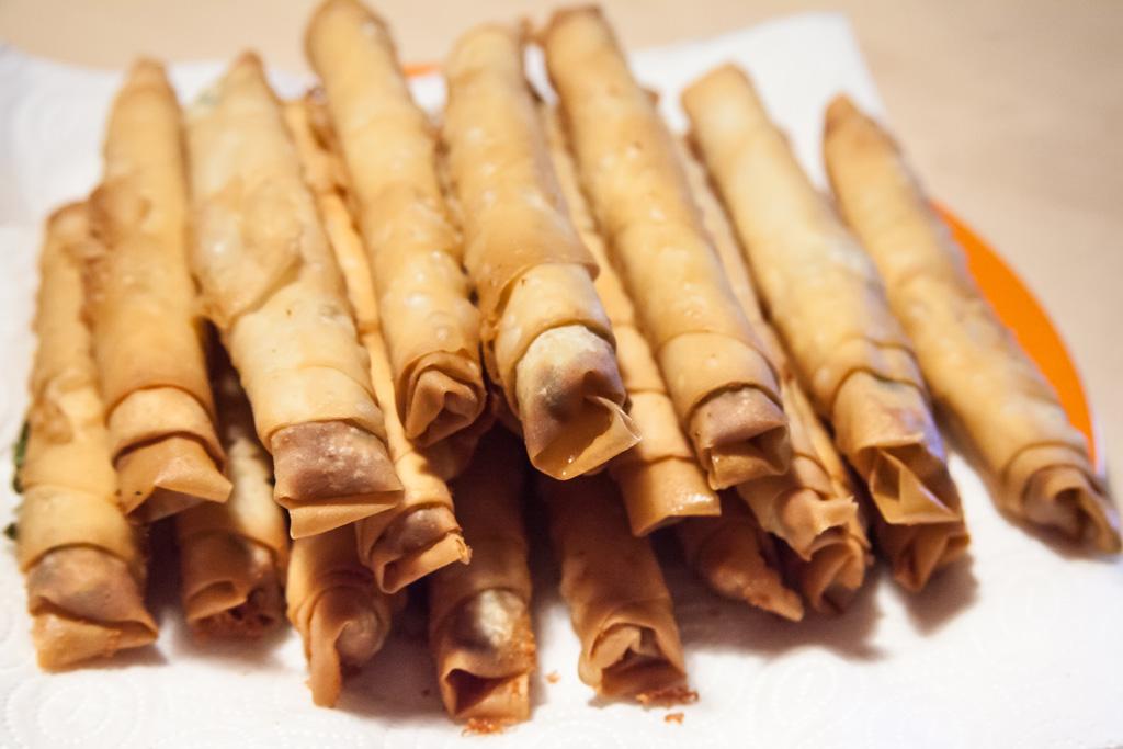 Zigarrenbörek auf Küchenkrepp