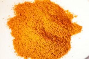 Cayennepfeffer ist eine Möglichkeit die Currysauce zu schärfen.