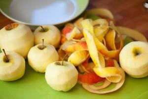 Die Apfelsorten sollen mehlig und nicht wässrig sein. Wir ignorieren das.