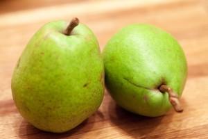Die Birne sollte reif sein dann schmecken die Overnight Oats deutlich besser.