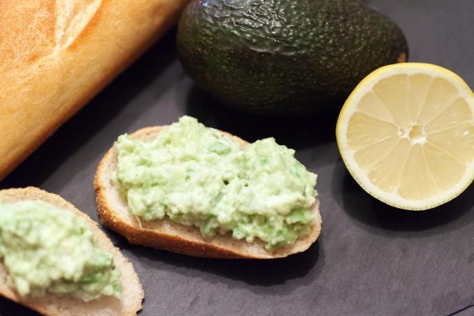 Avocadocreme – Guacamole mit Zwiebeln