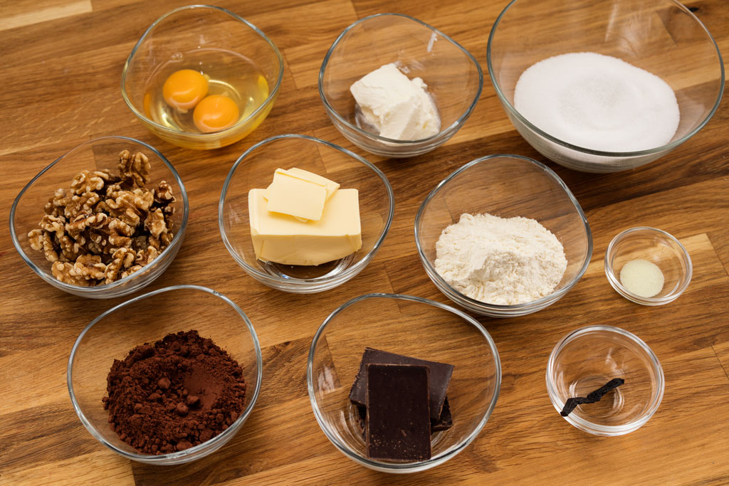 Ingredients for Brownie's recipe with walnuts.