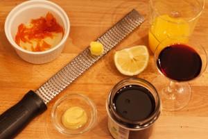 Zutaten für Cumberlandsauce: Ingwer, Orangenzesten und Portwein gehören dazu.